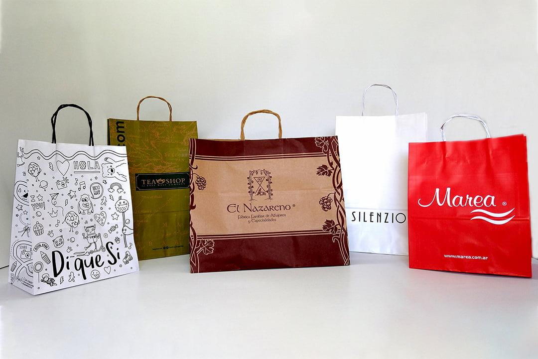 Bolsas con manijas para indumentaria