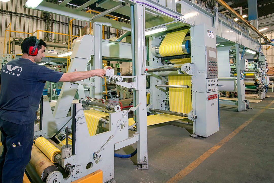 Proceso de impresión de papel en bobinas