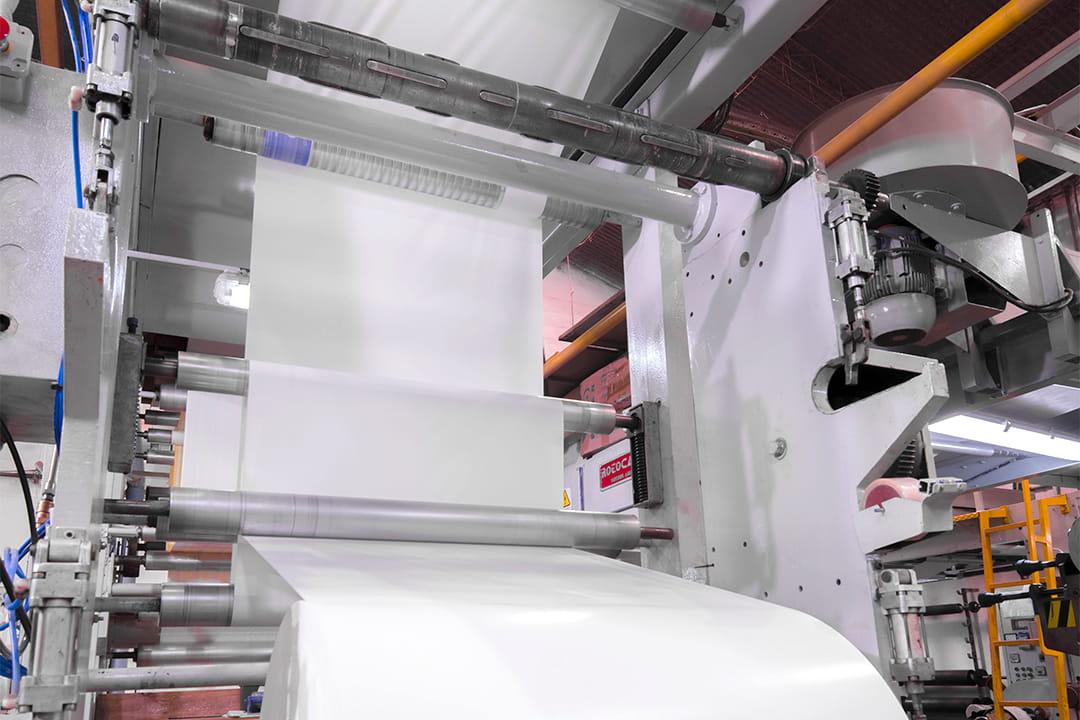 Máquina de impresión de papel en bobinas